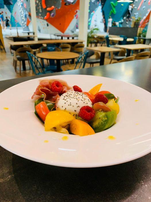 l'importance de la nutrition en escalade, pour améliorer les performances des grimpeurs, profitez de nos plats équilibrés dans notre restaurant bar à Vertical'Art Rungis