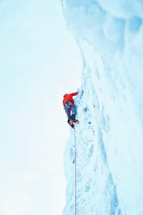 Retour sur le Championnat d'Europe d'escalade sur glace 2021, les grimpeurs français ont brillé
